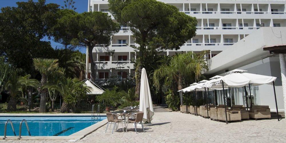 Die Swimmingpools Hotel Abamar Pula